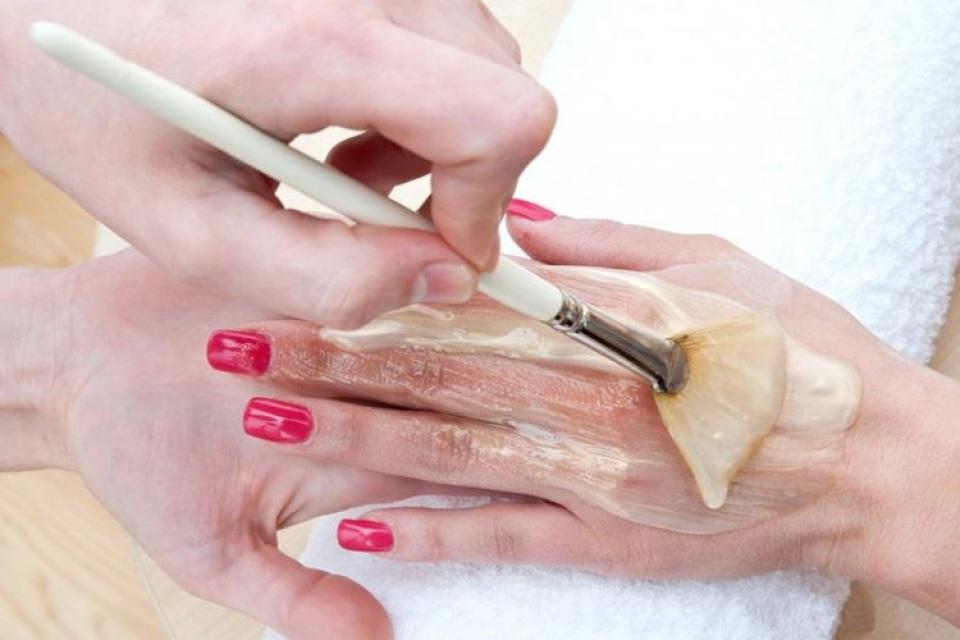 Paraffin Manicure Image