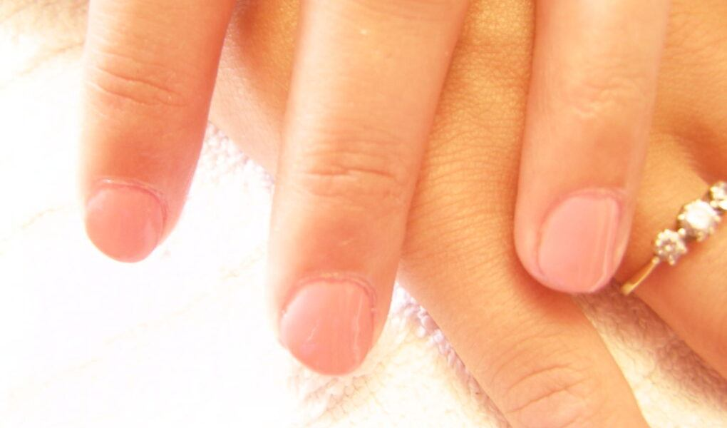 how long do shellac nails last?